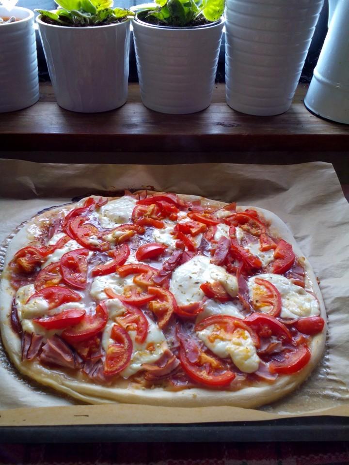 Recept Těsto na pizzu z pizzerie - Výborná!