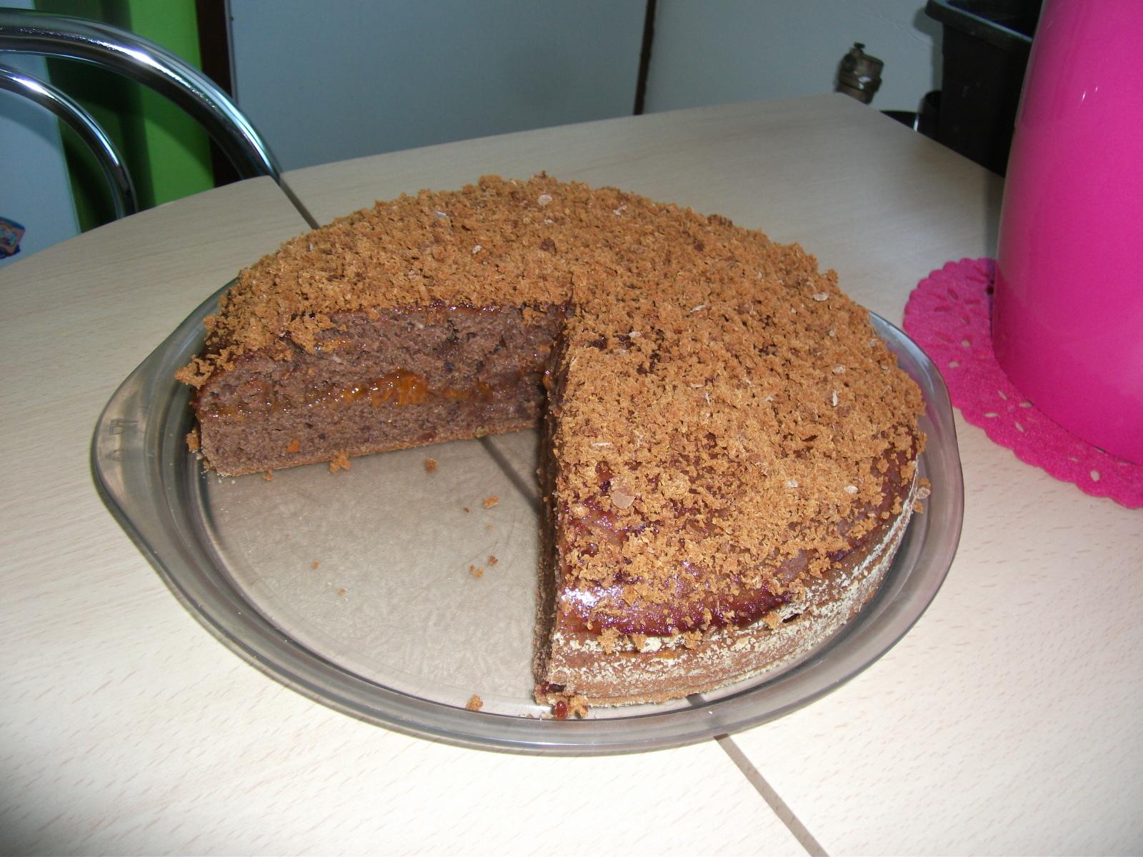 Recept Hrníčková perníková bábovka - Promazala jsem to meruňkovou marmeládou, trochu potřela i vršek a posypala strouhaným perníkem, vynikající :-)