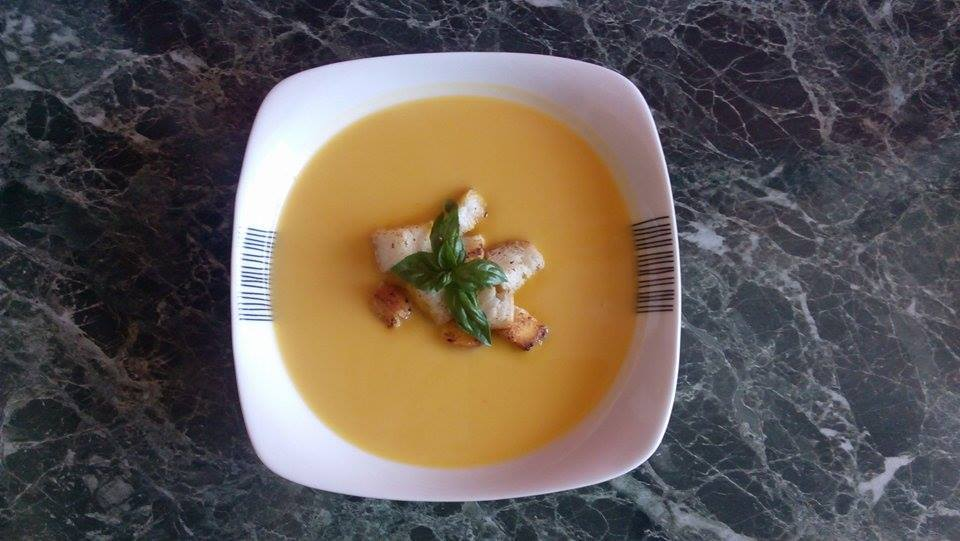 Recept Výborná dýňová polévka - S bazalkou
