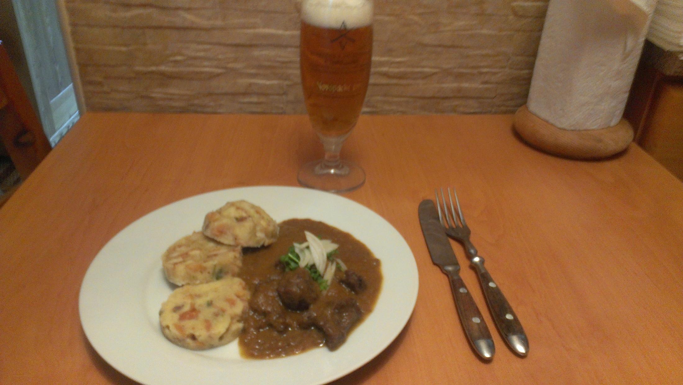 Recept Kančí gulášek - nejlépe chutná s hrnkovými knedlíky a sklenicí piva