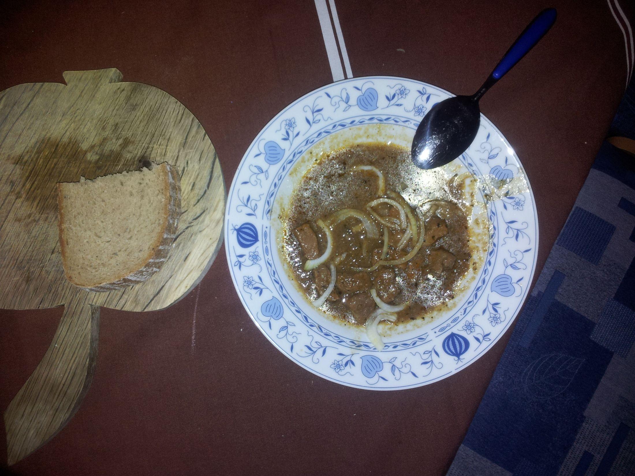 Fotografie receptu: Česnekový vepřový guláš