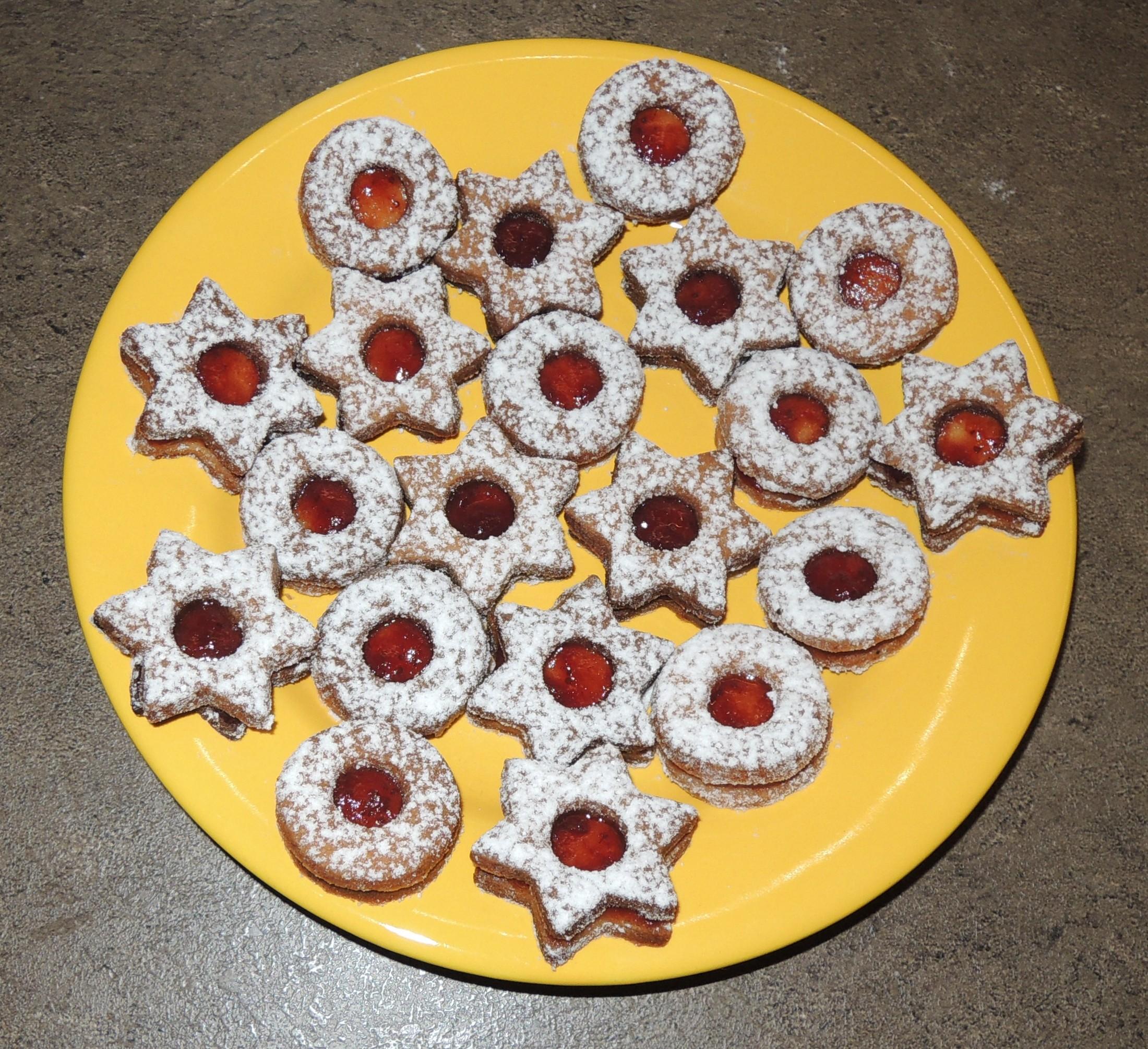 Recept Dobré linecké těsto - Linecké pečivo s domácí jahodovou marmeládou