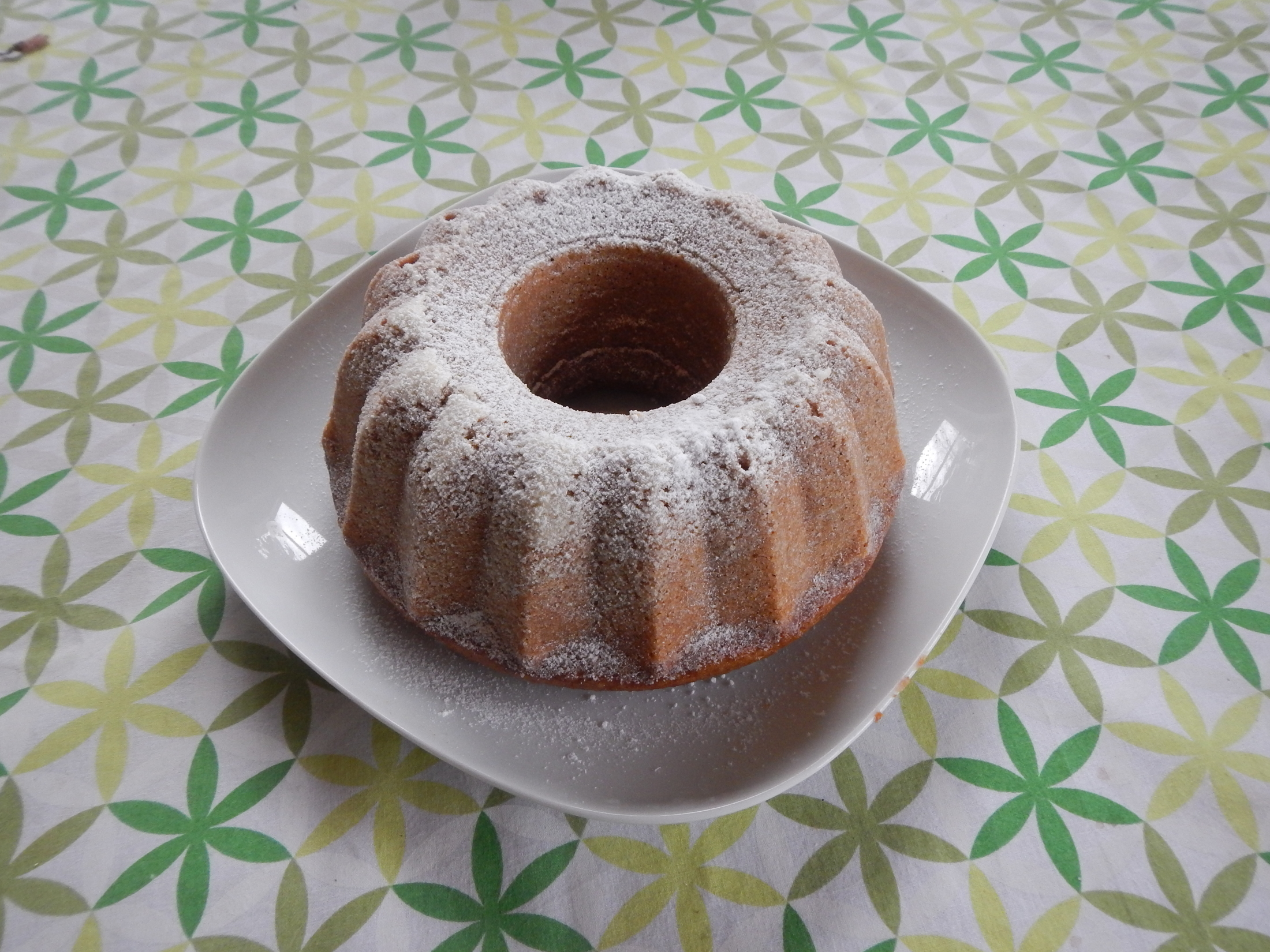 Recept Ořechová hrnková bábovka  - Ořechová bábovka