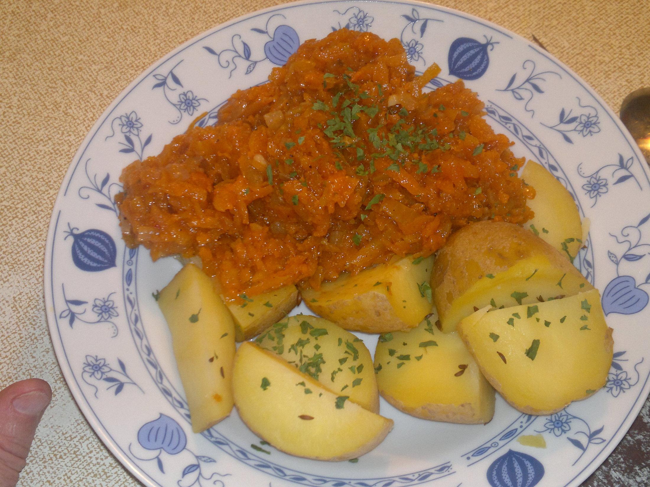 Recept Dušená mrkev - Dušená mrkev s bramborem - domácí ingredience se špetkou kardamonu