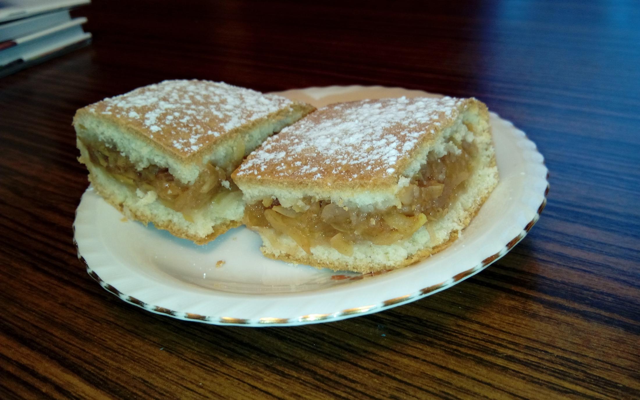 Jablkový koláč na plech
