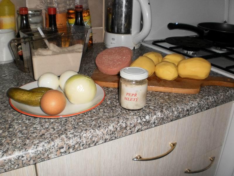Recept Zapečené brambory se salámem - ingredience potřebné na recept