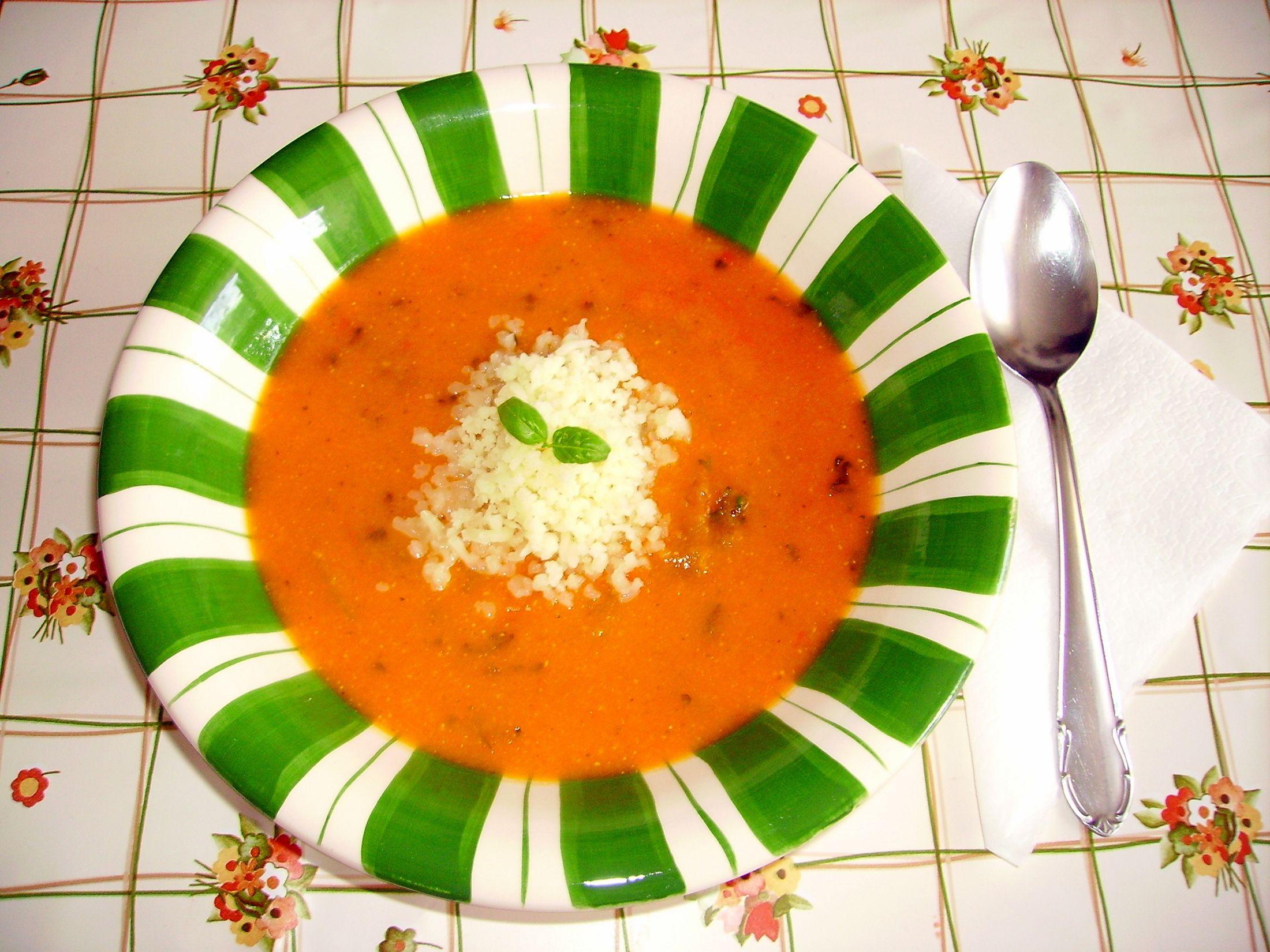 Fotografie receptu: Polévka z červené čočky s rajčaty