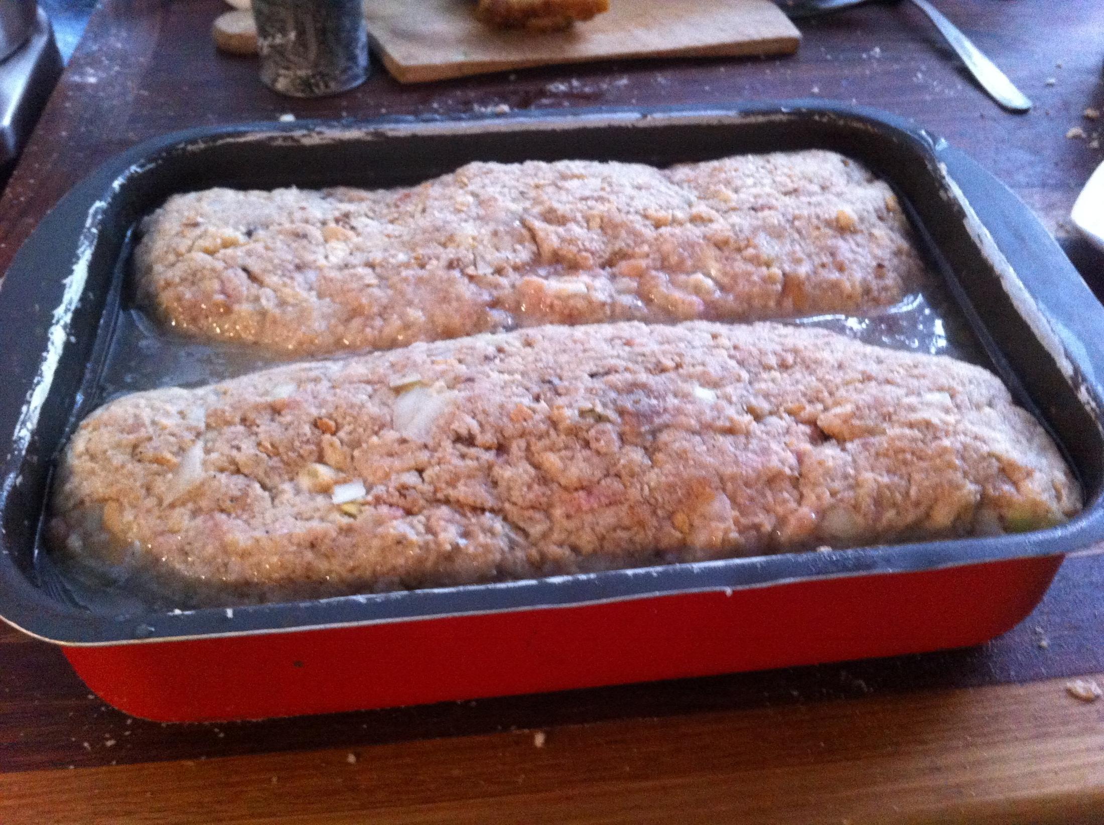 Recept Domácí sekaná - vlozim do pekacku a podleju vodou