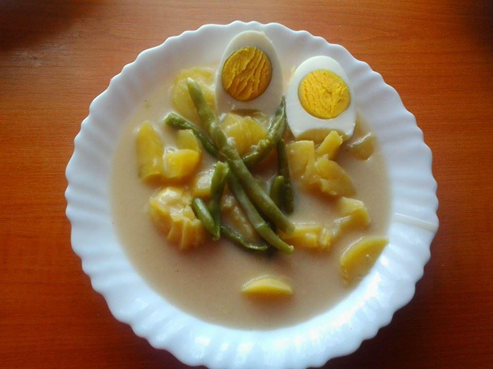 Fotografie receptu: Fazolová omáčka s vejci