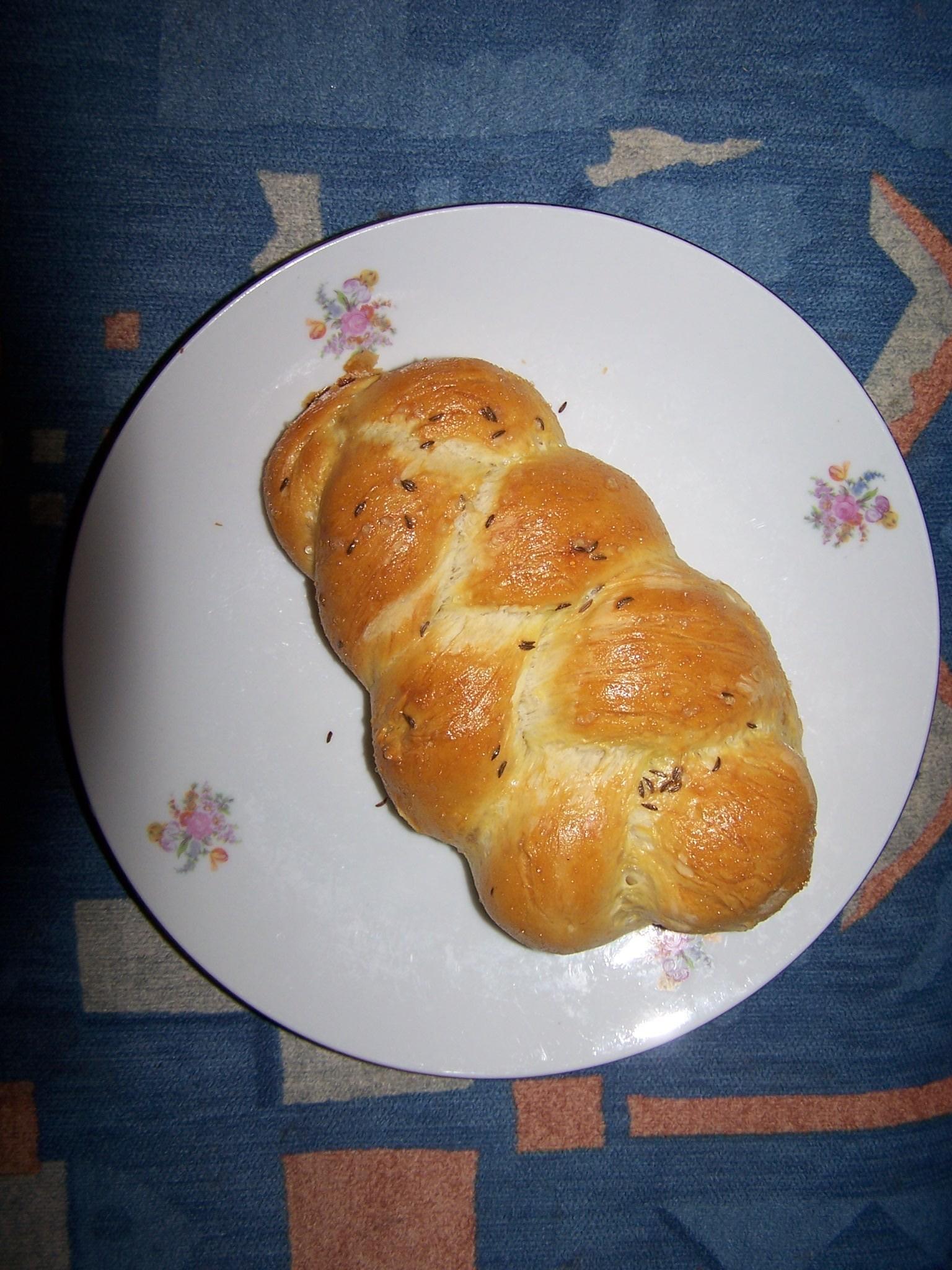 Recept Dobré domácí housky - Velká pletýnka - pro ukázku na velkém talíři