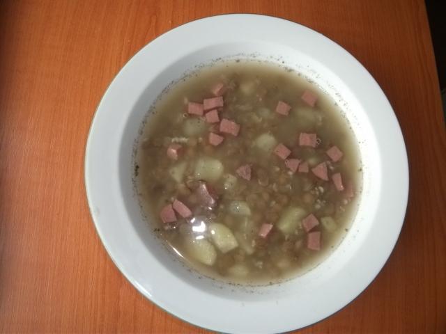 Jednoduchá čočková polévka