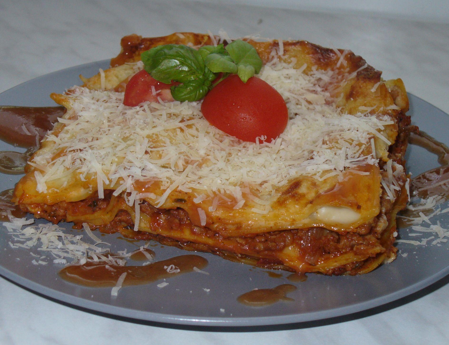 Lasagne s mletým masem a rajčaty