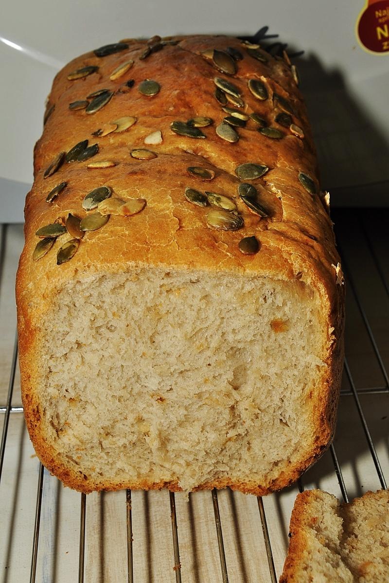 Fotografie receptu: Cibulovo-česnekový chléb Nedašov