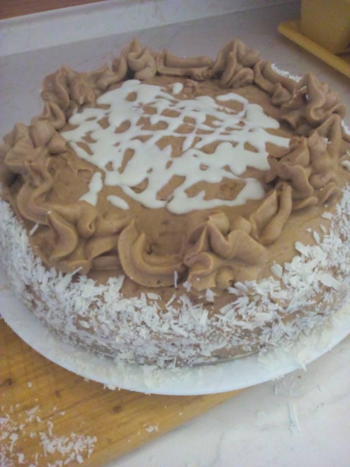 Recept Ořechový dort s kávovým krémem - Ořechový dort vylepšený bílou čokoládou