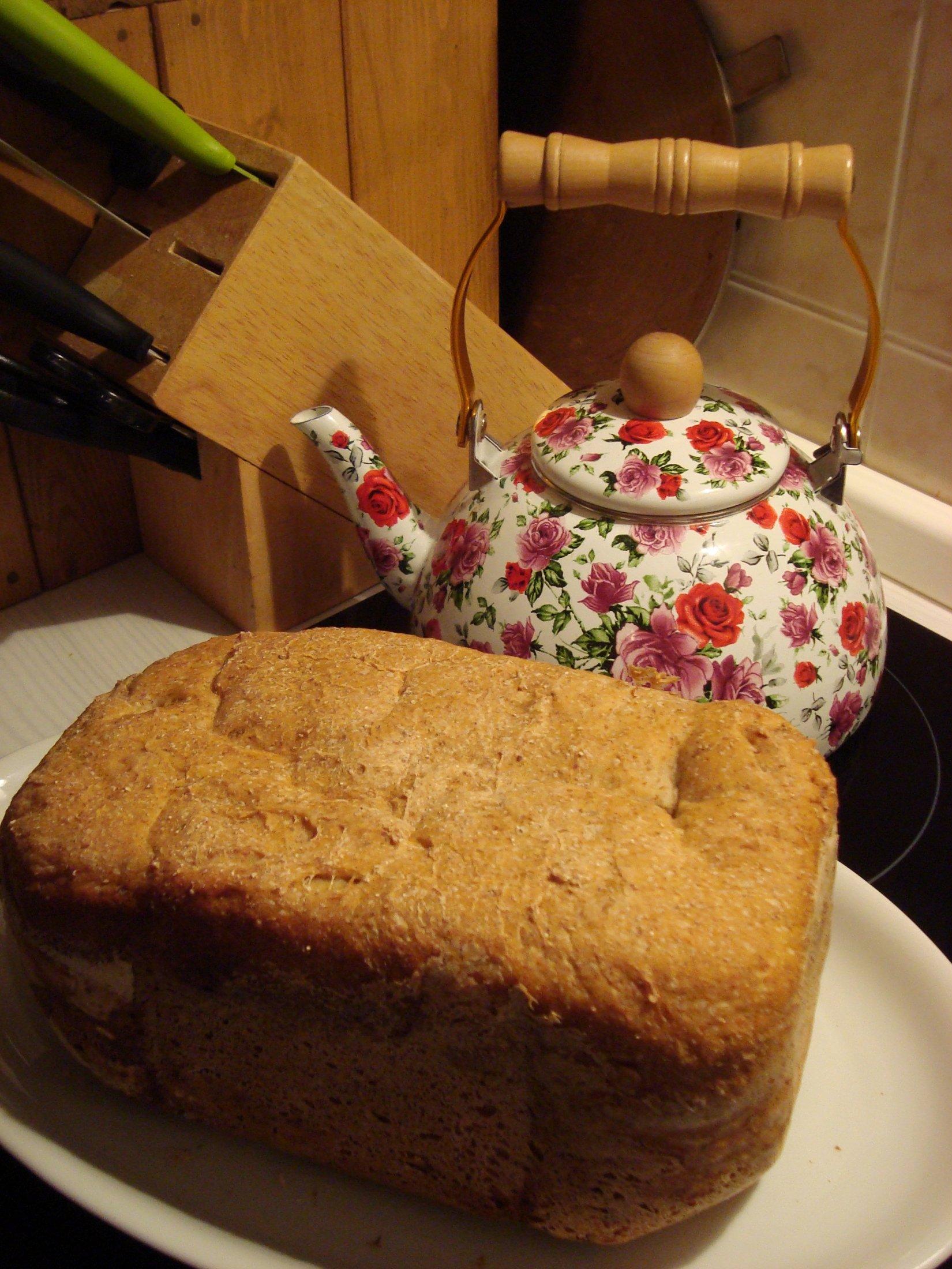 Žitno-pšeničný chléb z domácí pekárny