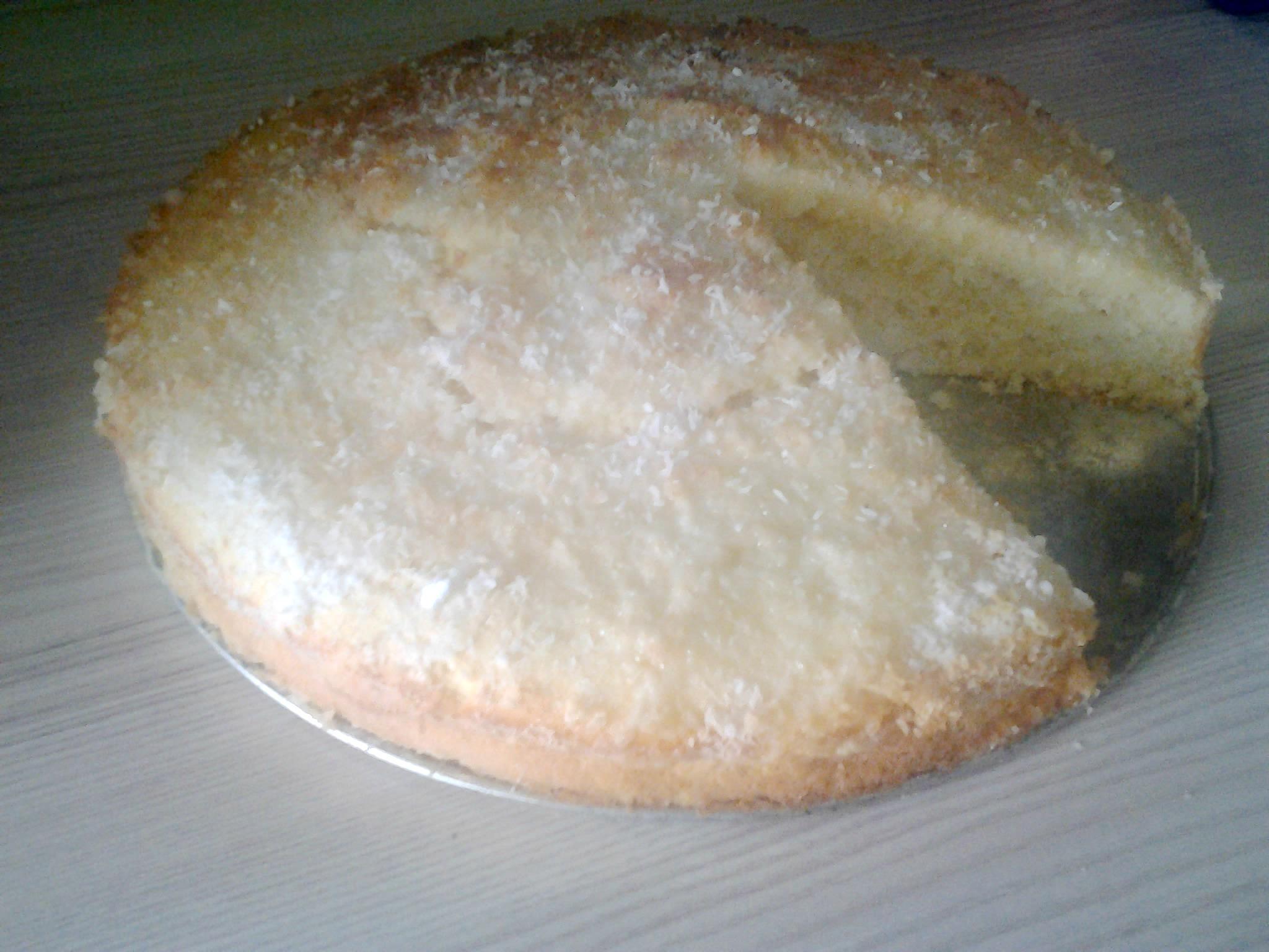 Recept Řezy Raffaello - Pekla jsem v dortové formě a výsledek je výborný - rychlý a dobrý moučník!