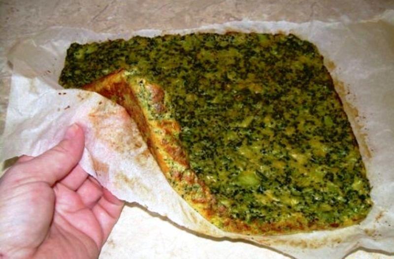 Recept Brokolicové placky se šunkou  - upečeno na plechu