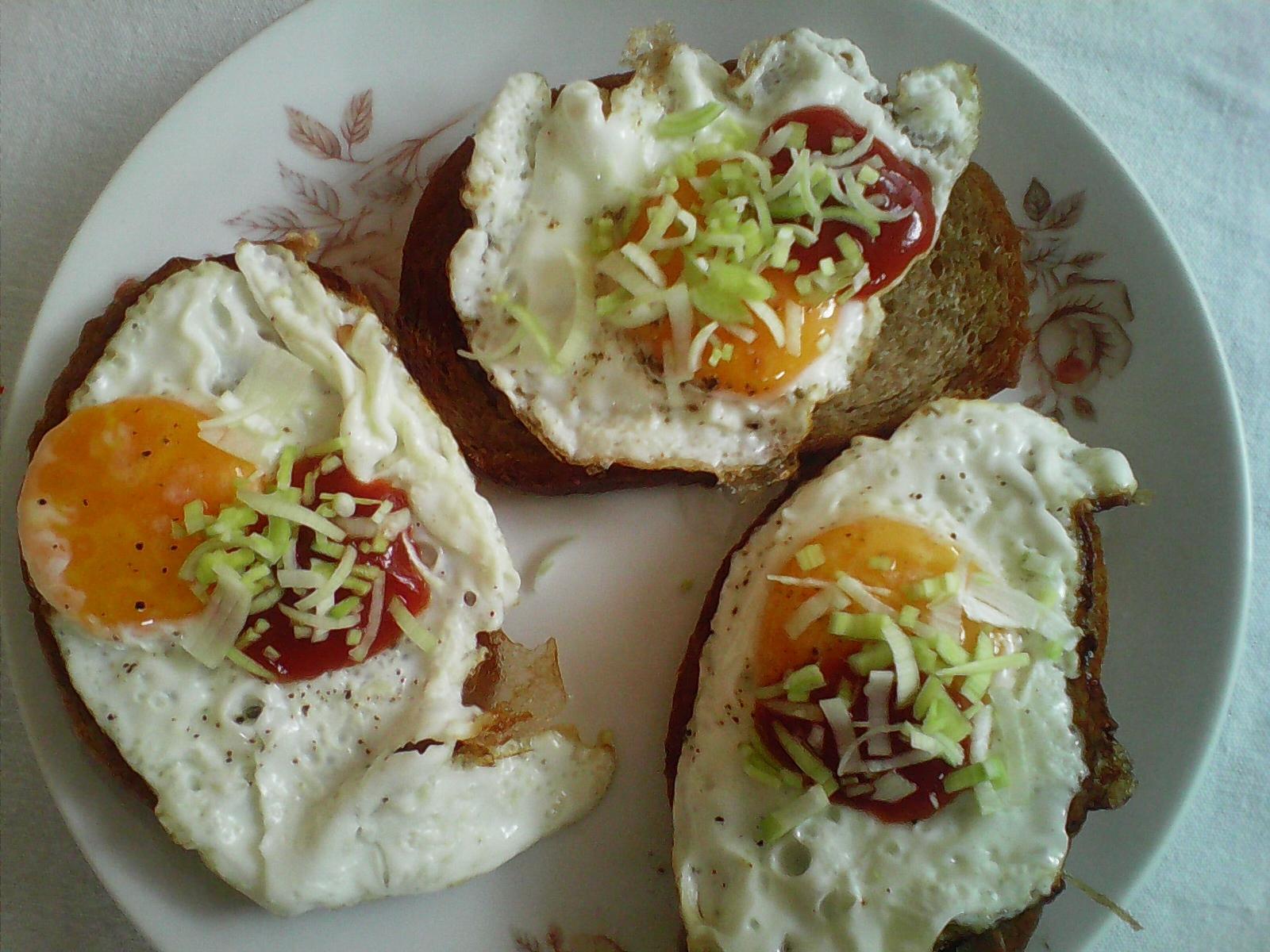 Fotografie receptu: Topinky s volským okem podle Katky