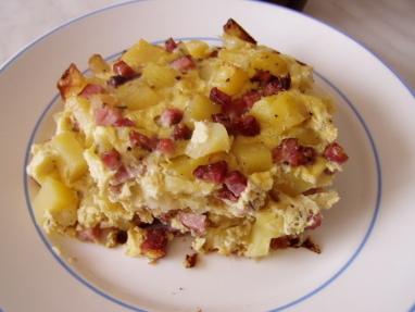 Uzené kostky zapečené s brambory