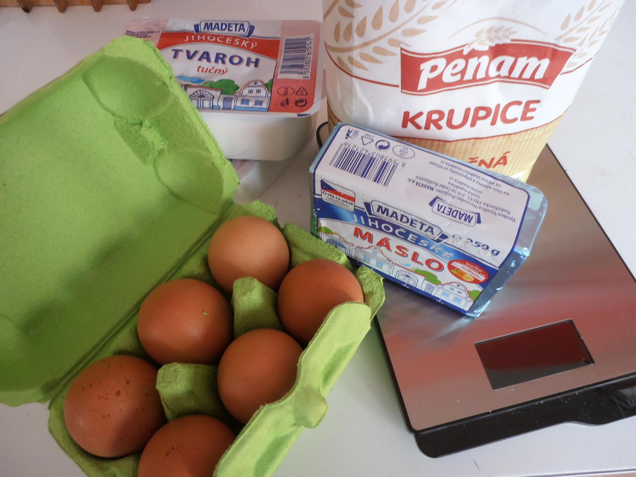 Recept Tvarohové noky s ovocem - potřebné suroviny
