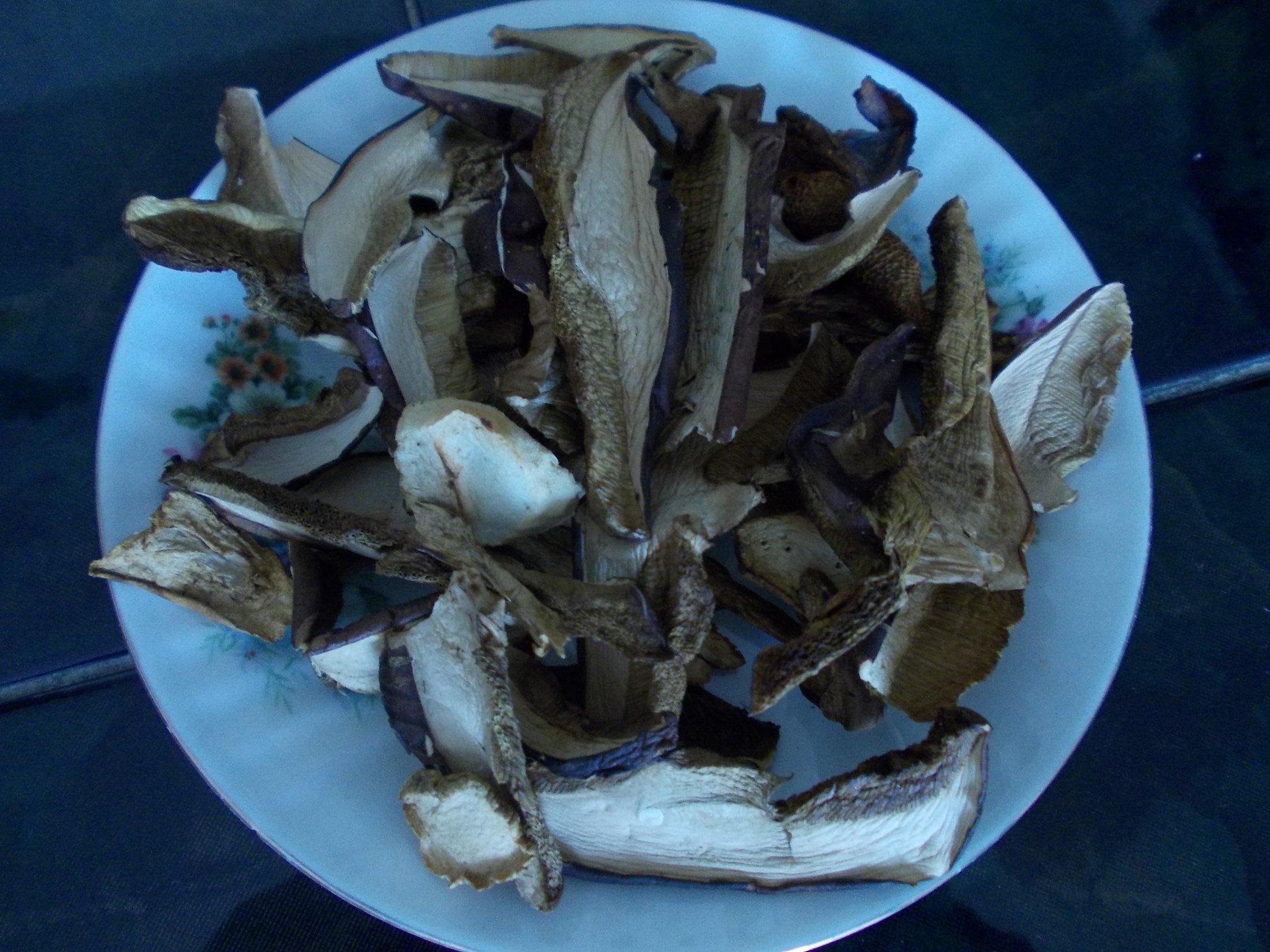 Fotografie receptu: Polévka ze sušených hub a brambor