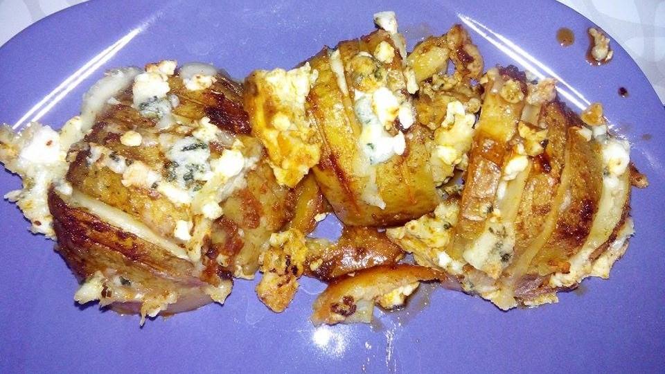 Brambory pečené se sýrem