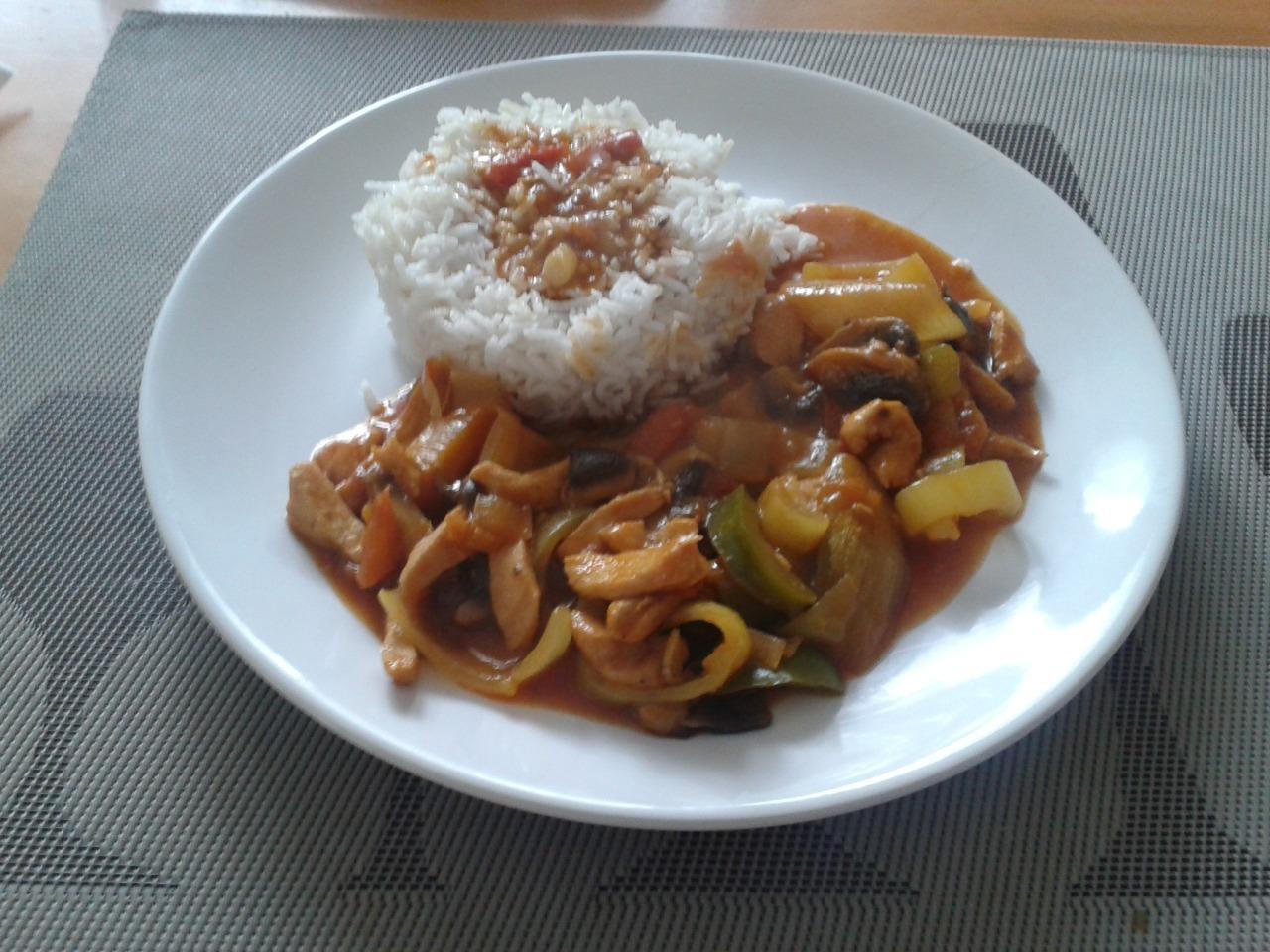 Recept Kuřecí čína s jasmínovou rýží - Výborná čína