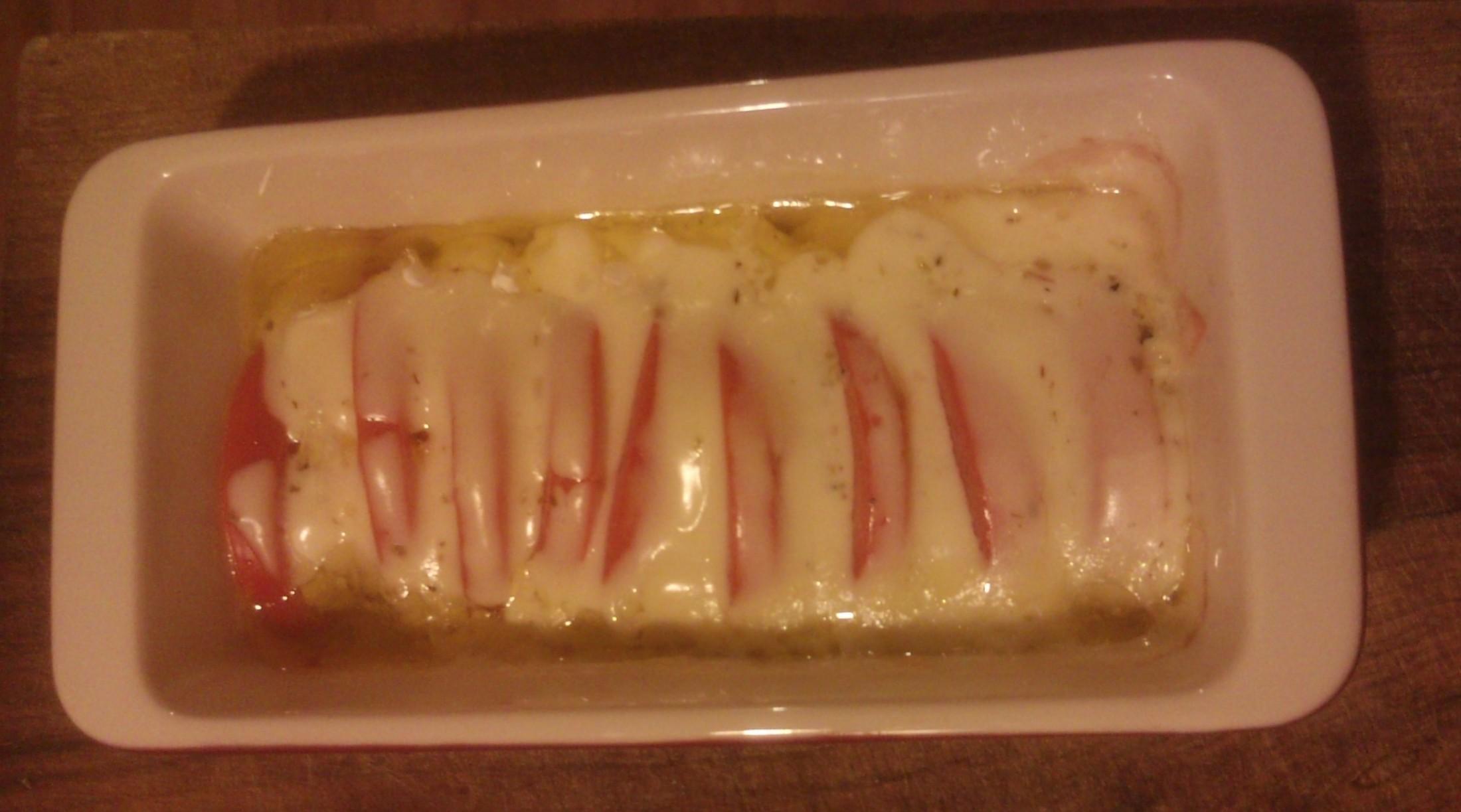 Fotografie receptu: Zapečený hermelín s rajčaty