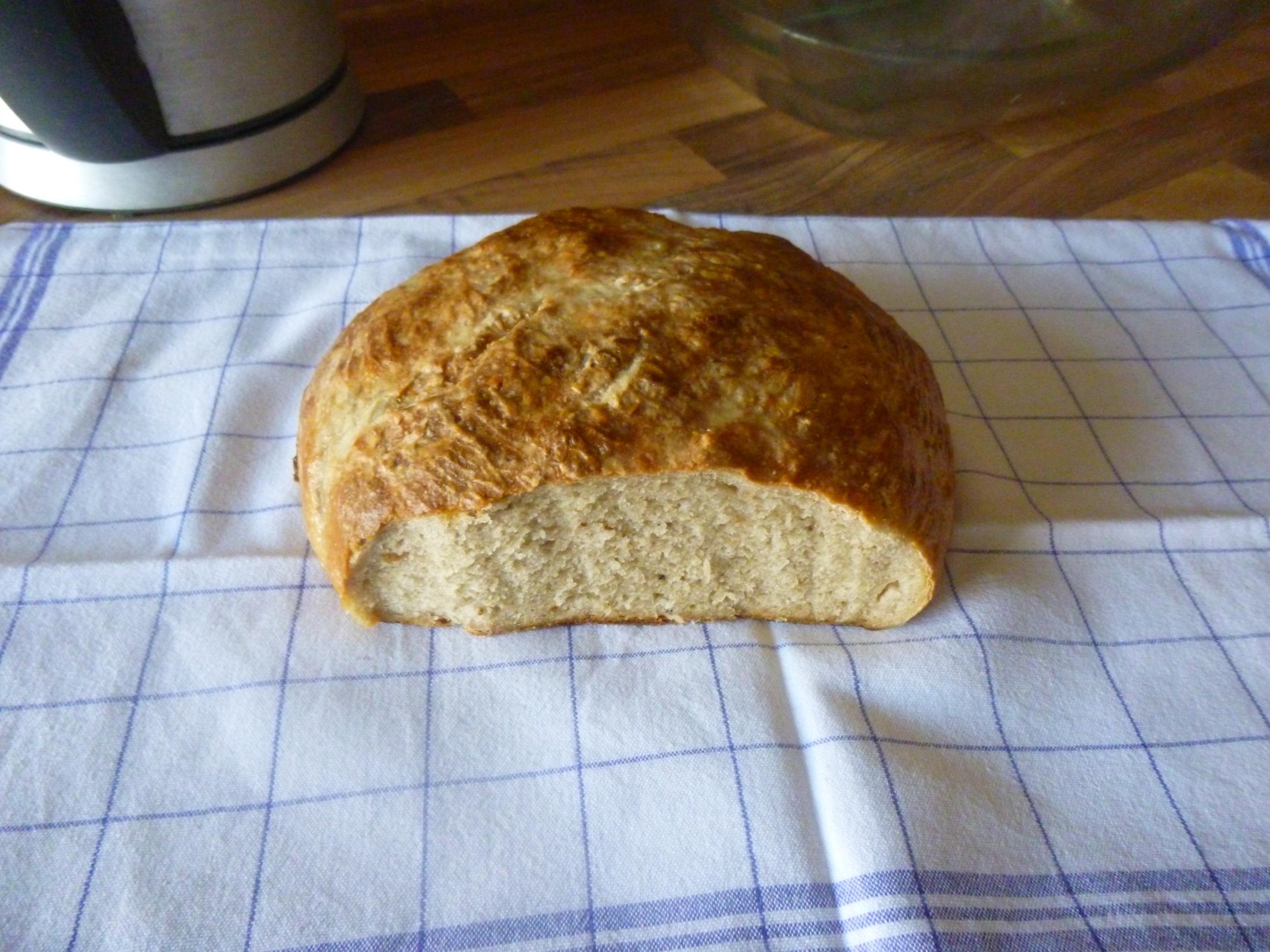 Recept Babiččin chleba - Úžasnenej chlebík, do kvasnic přidaný kostičky starýho tvrdýho chlba, perpetum mobile****