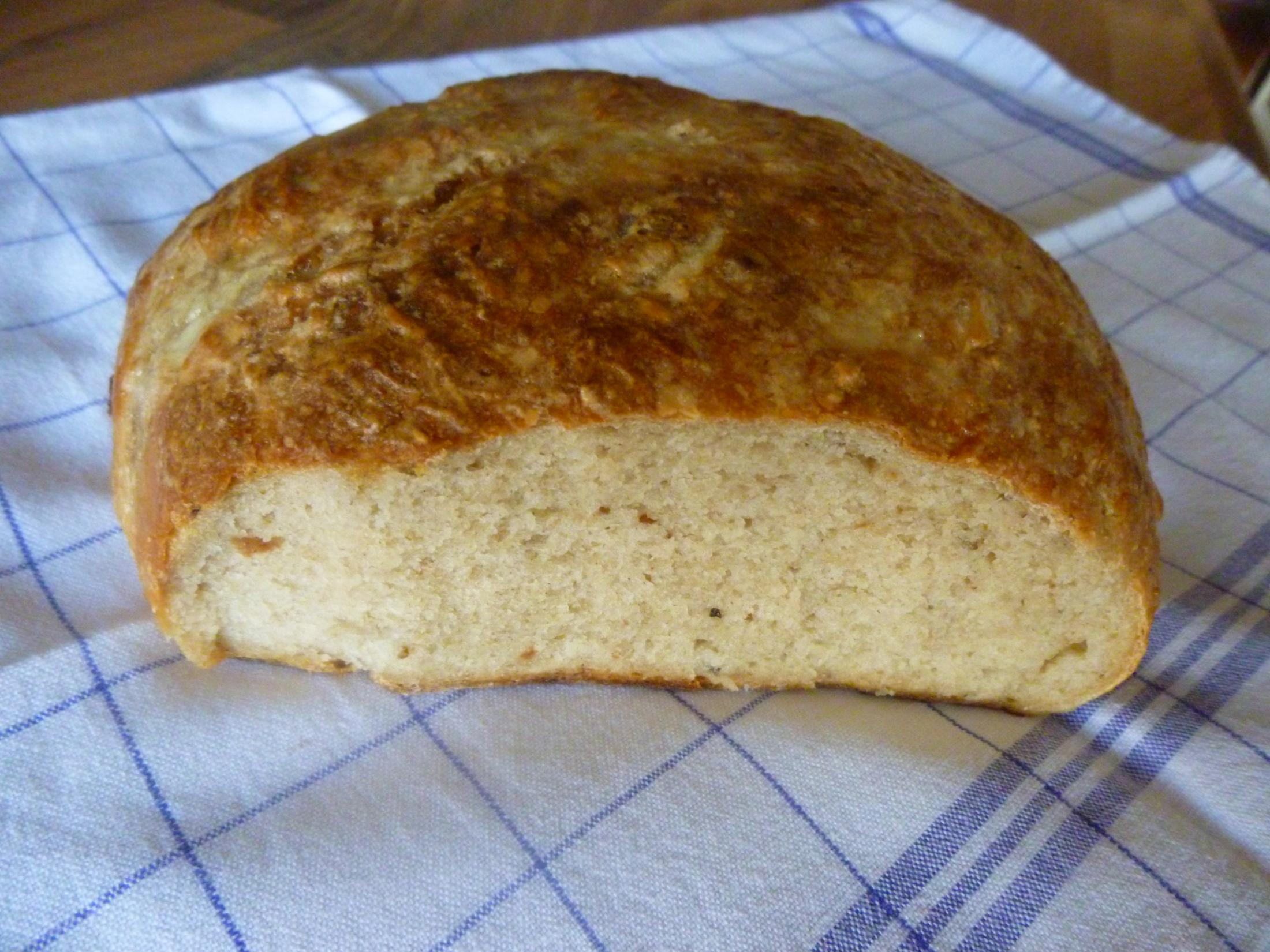 Recept Babiččin chleba - PO UPEČENÍ ZABALIT DO MOKRÉ UTĚRKY, KŘUPAVÁ KŮRKA***