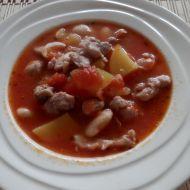 Fazolová polévka s kuřecím masem