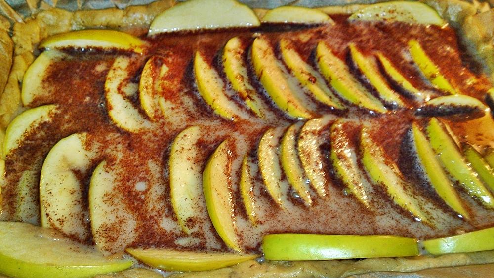 Recept Fínsky jablkový koláč alebo fínska jablková torta - Zalijeme jablka připravenou pěnou