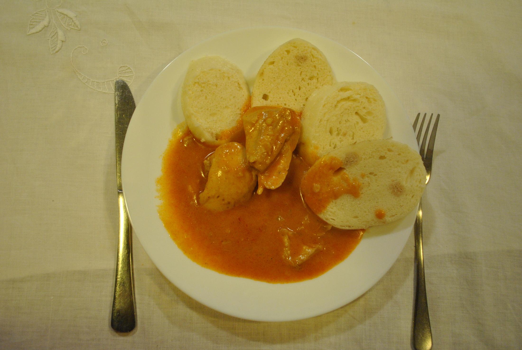 Fotografie receptu: Kuře na paprice s knedlíkem