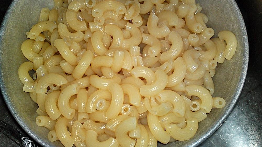 Recept Pikantní kolínka s krůtím masem - Scezená kolínka.