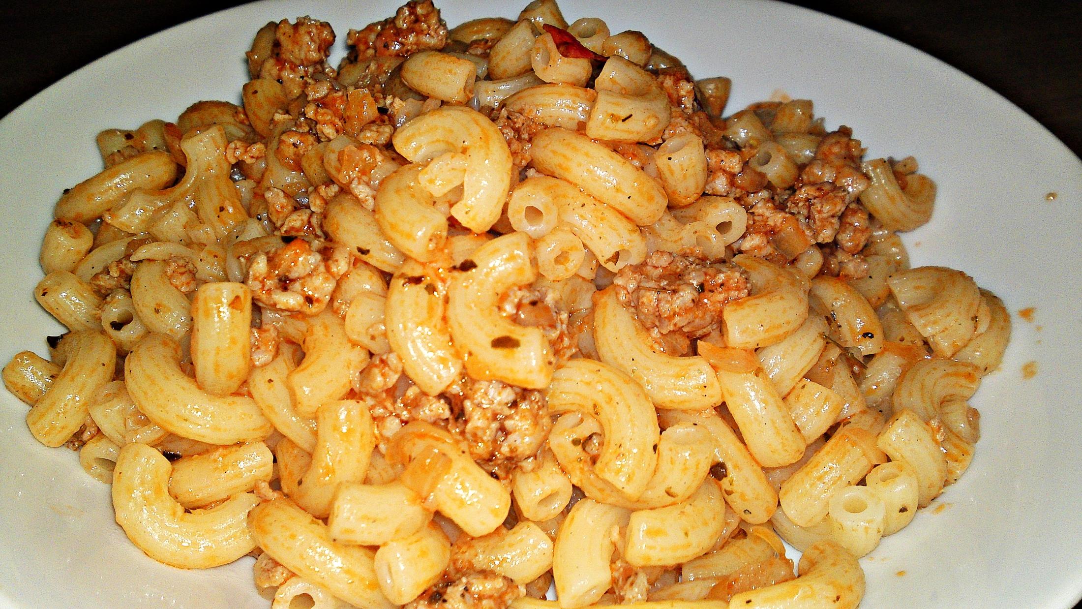 Recept Pikantní kolínka s krůtím masem - Horká kolínka dáme na talíř.