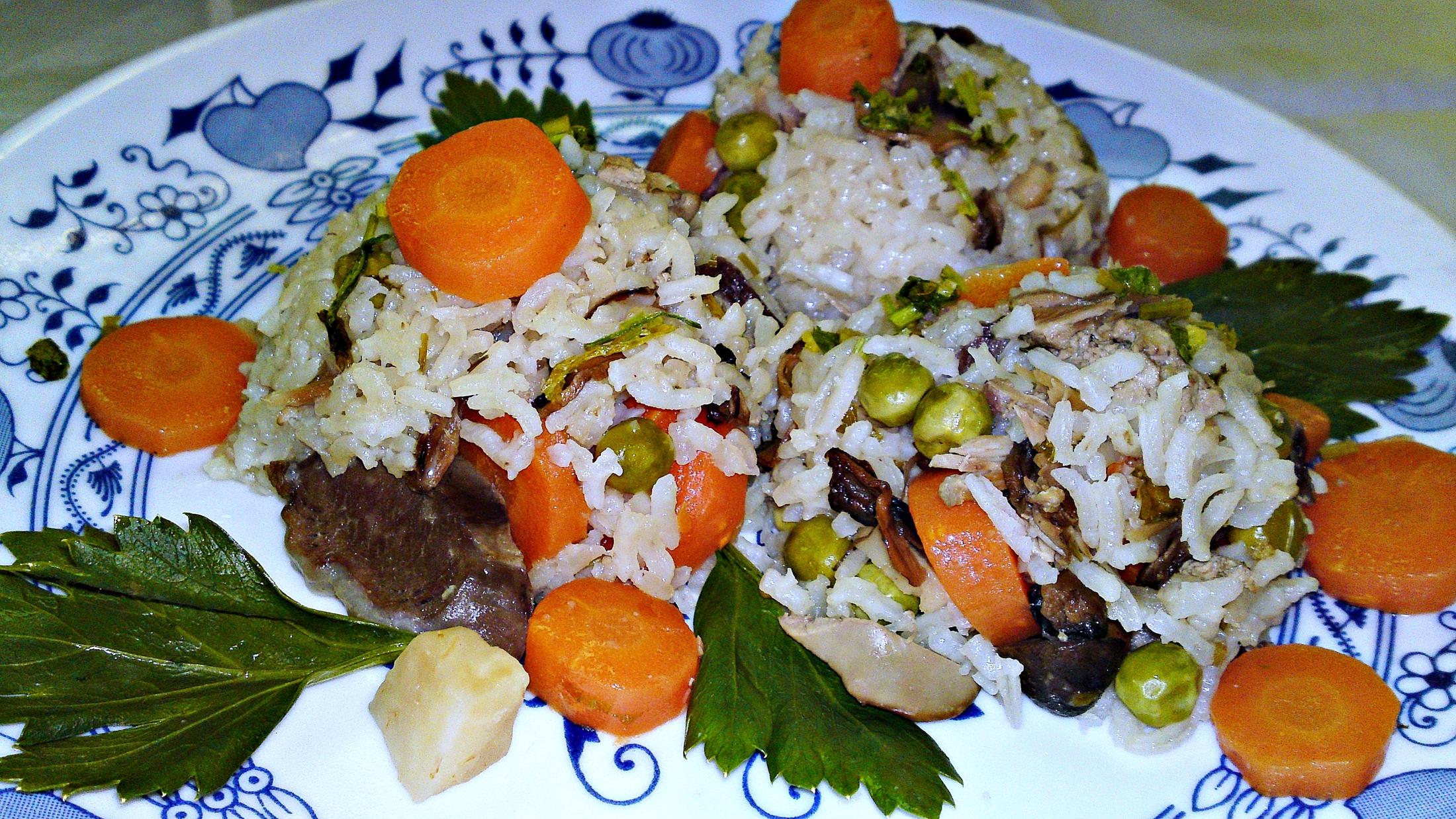 Recept Ludaskása - kaša z ryže a husacích drobov z polievky - Kaši z rýže a husích drobů podáváme horkou.