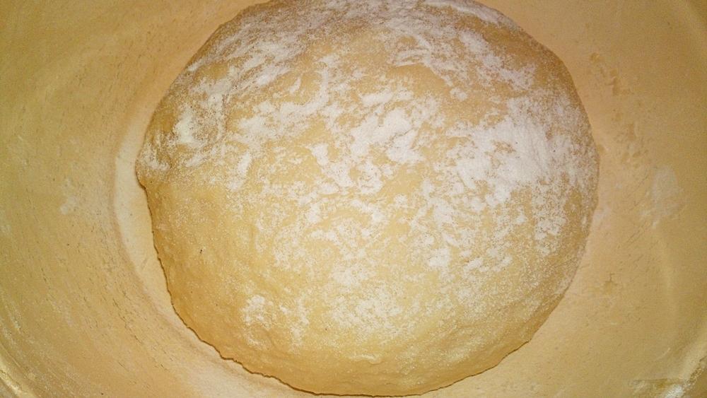 Recept Veľkonočný mazanec - Vymícháme tužší těsto.