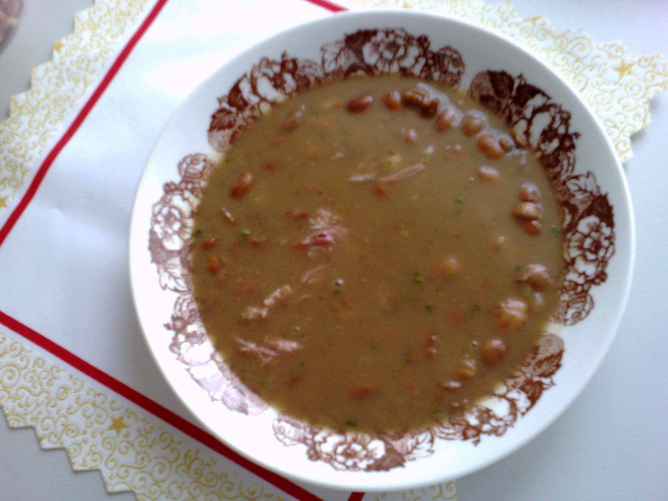 Fazolová polévka s uzeným