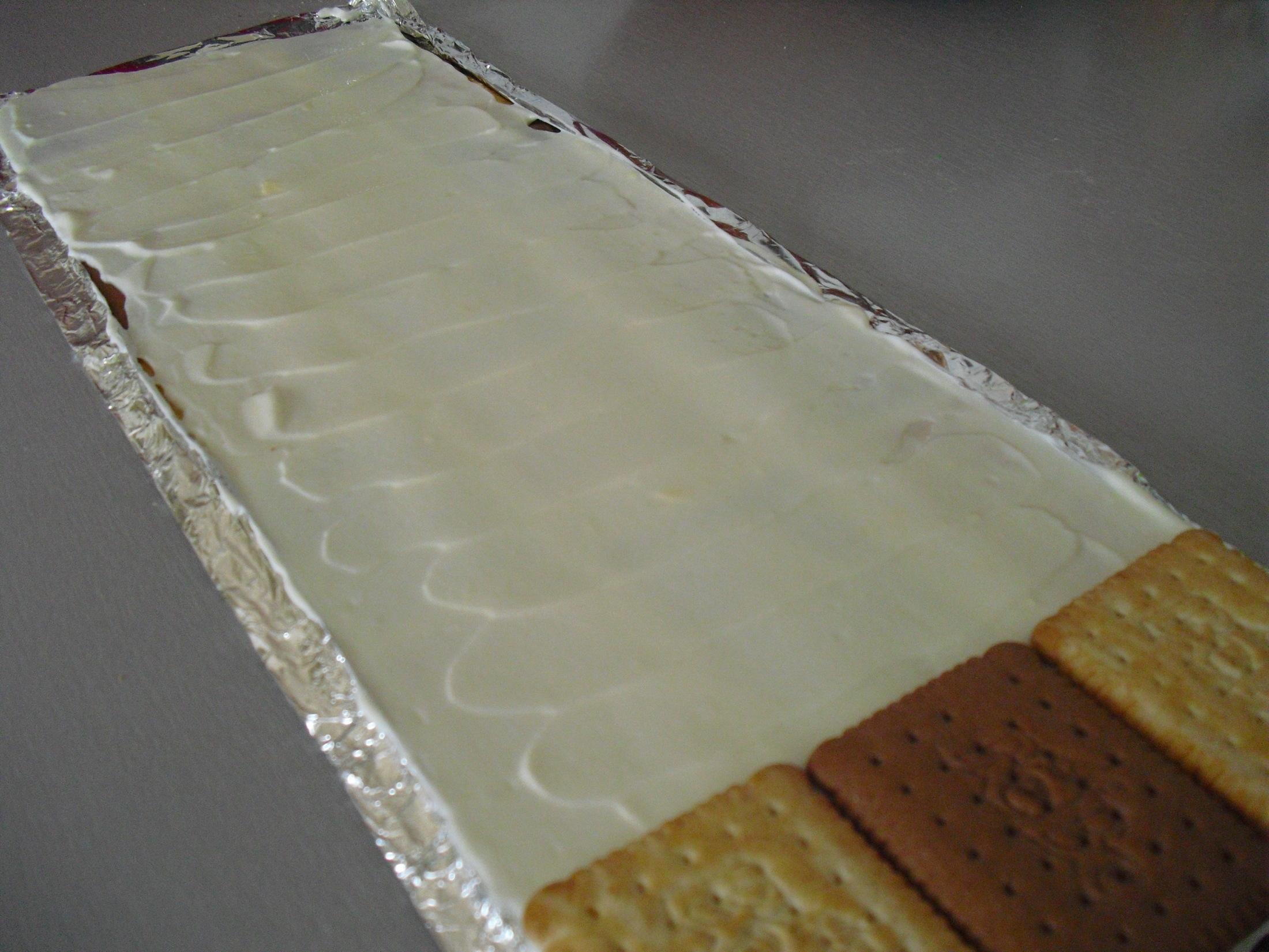 Recept Střecha z BeBe sušenek - Druhá vrstva z tvarohového krému