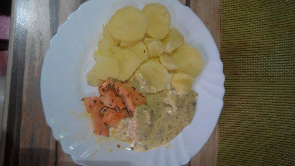 Recept Losos s bylinkovou omáčkou - Losos s bylinkovou omáčkou a brambory