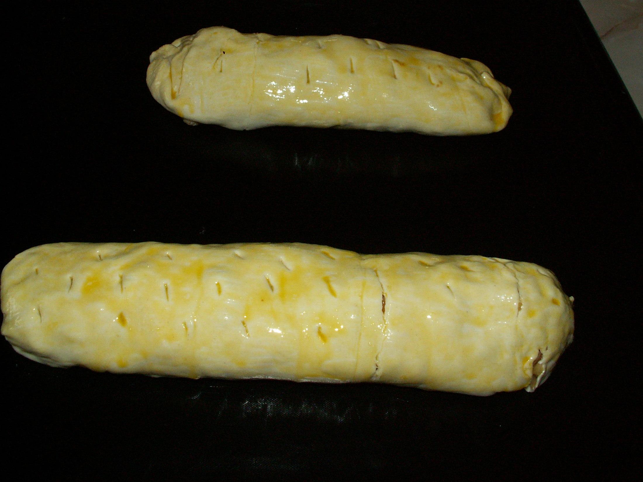 Recept Listový jablkový závin - Jablkový závin před vložením do trouby.