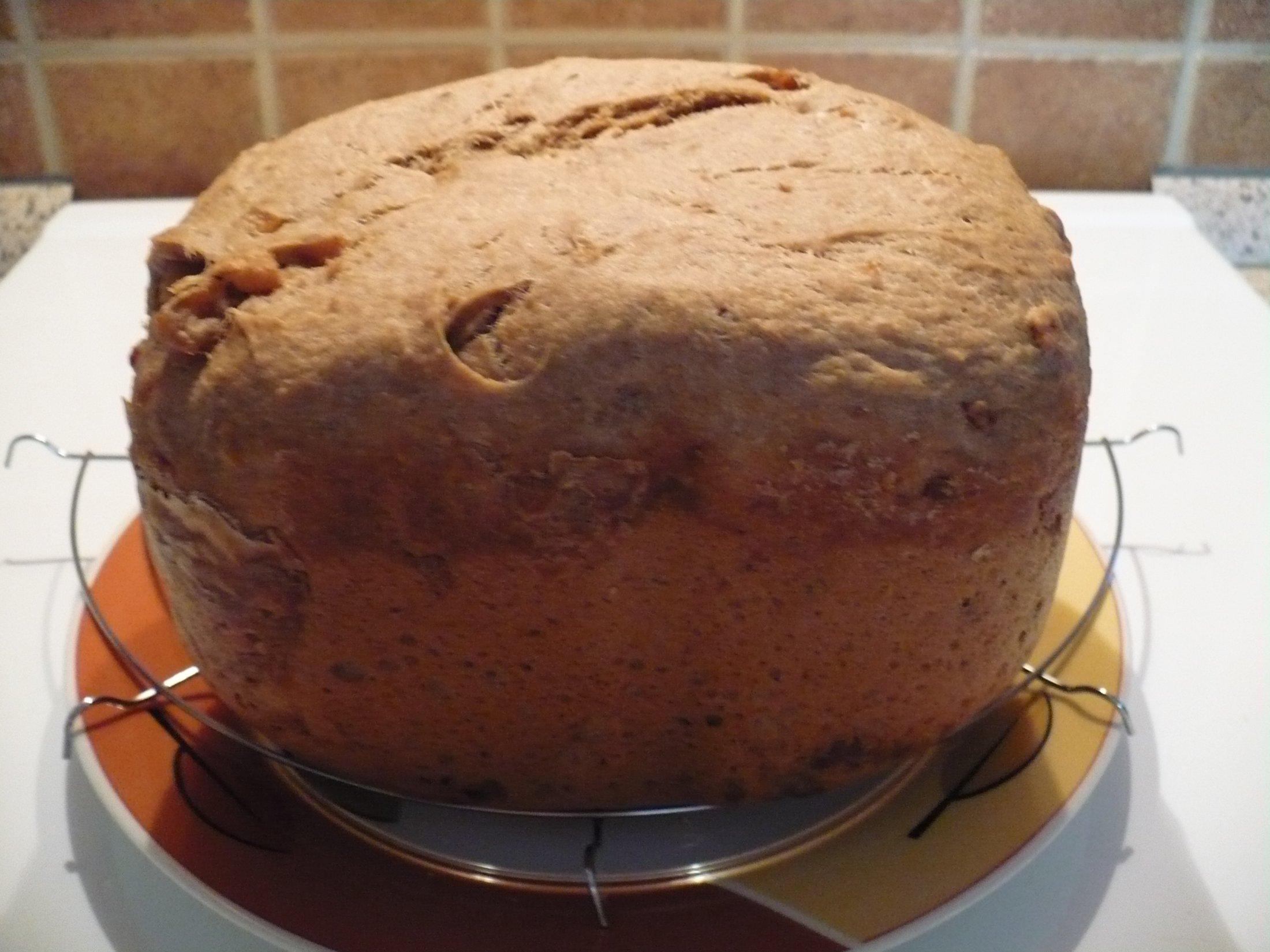 Domácí chléb s česnekem a semínky