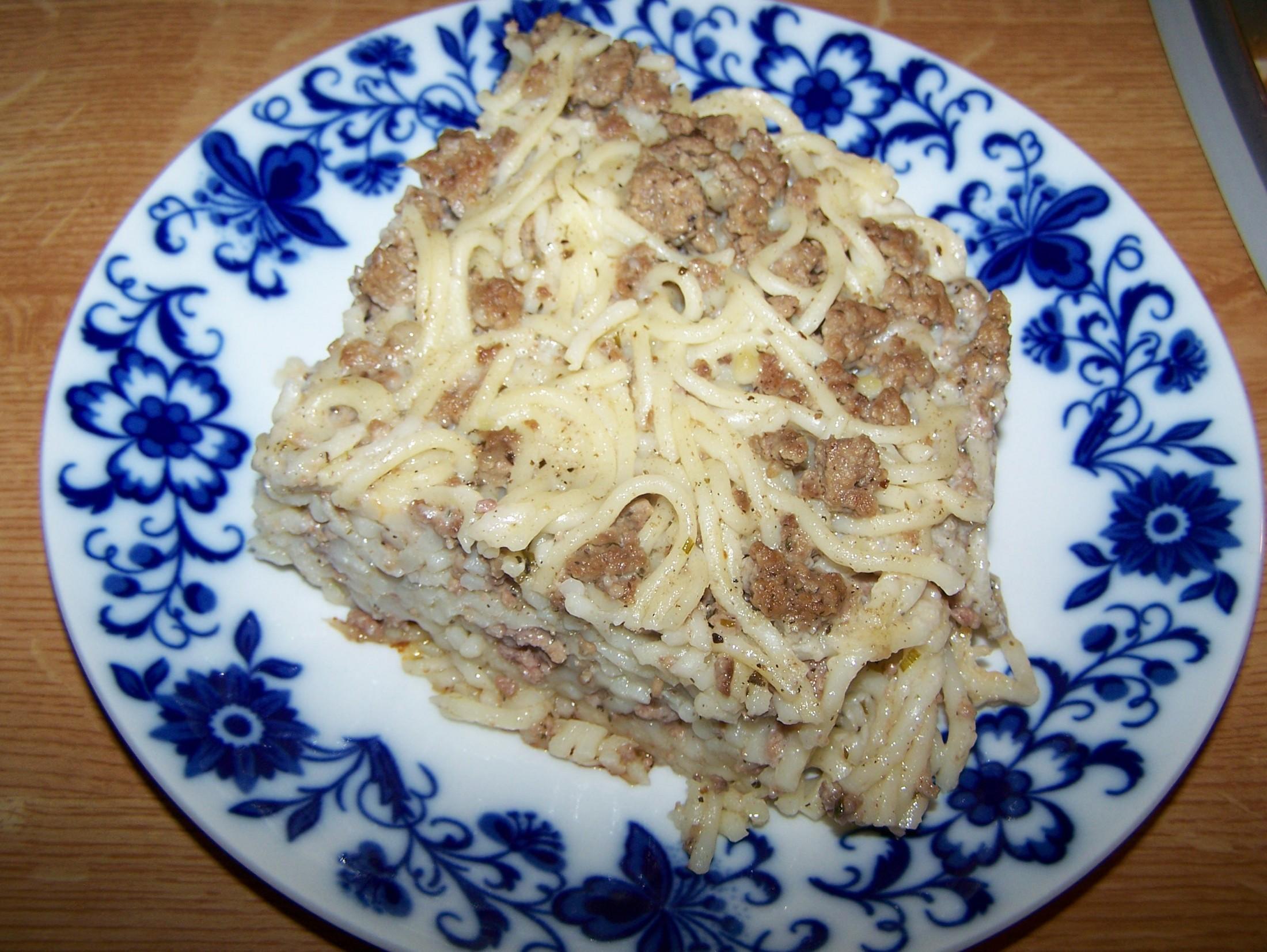 Špagety zapečené s mletým masem
