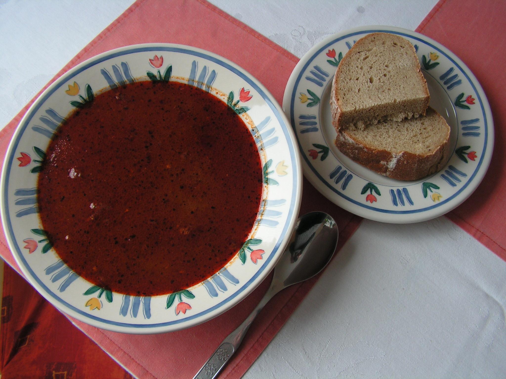 Recept Gulášová polévka - Gulášovka mňam. S chlebem je nejlepší.