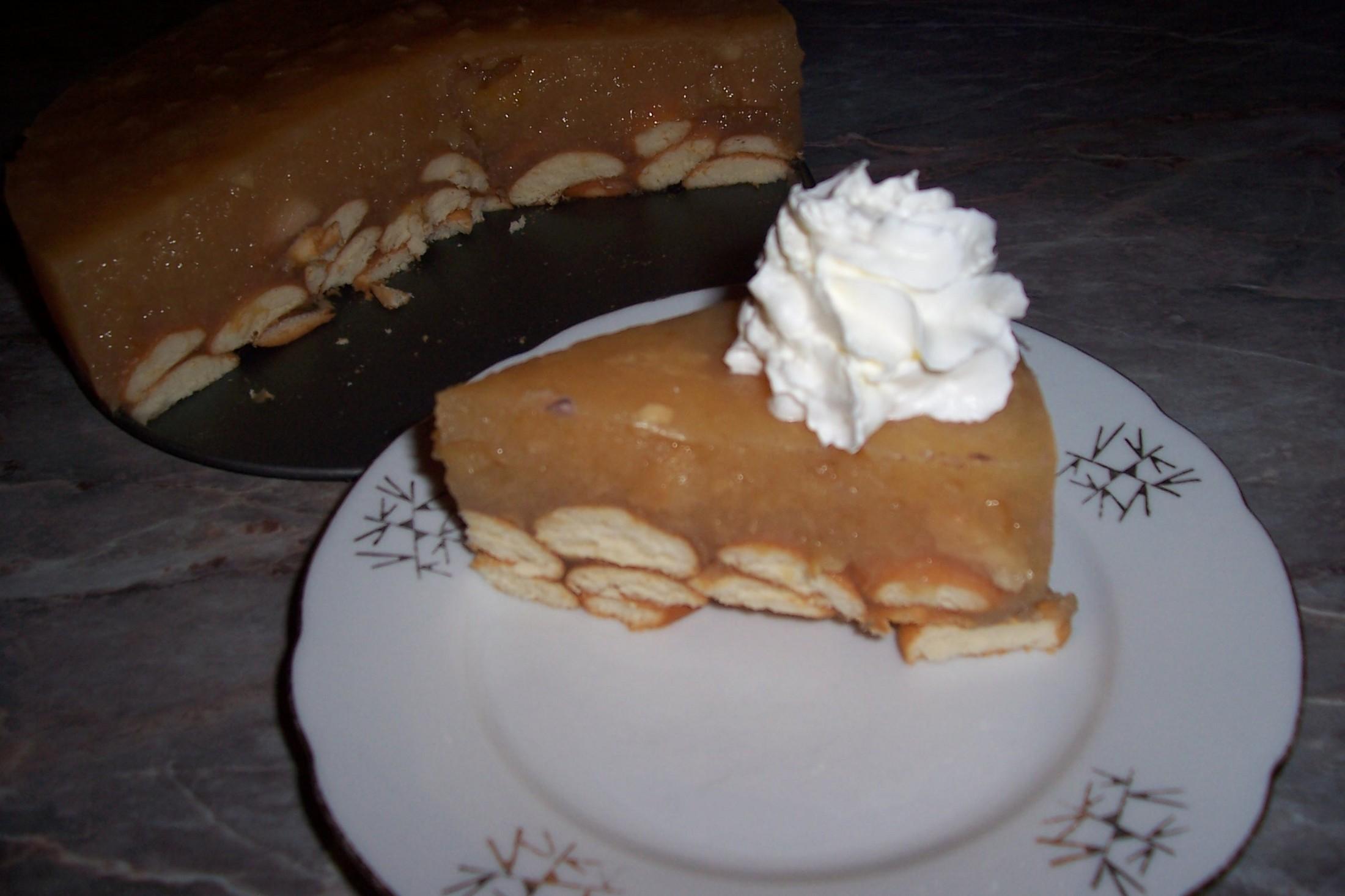 Recept Nepečený jablečný dort - Nepečený jablečný dort v řezu.