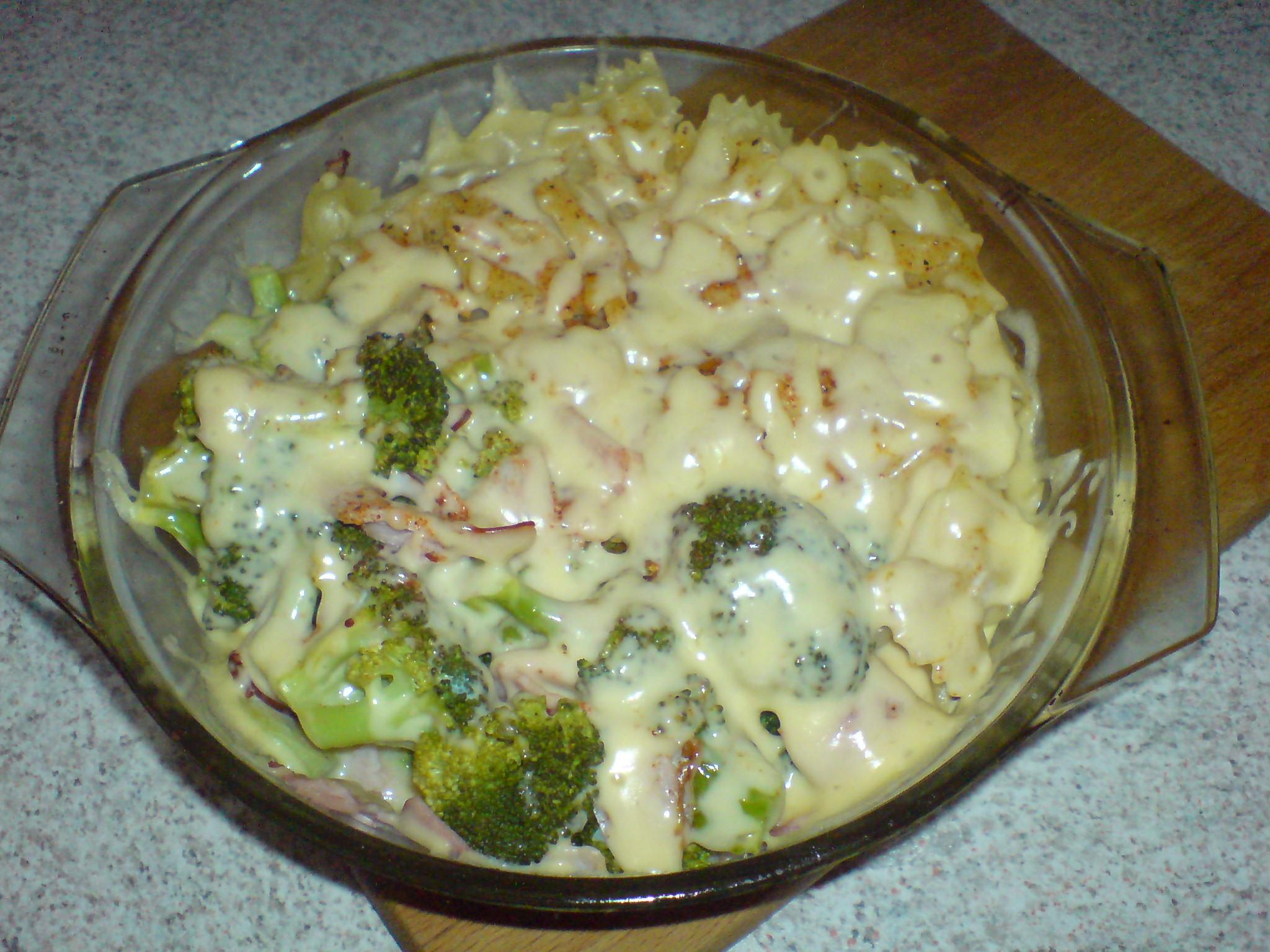 Recept Brokolice s těstovinami - První pokus, chutnalo nadprůměrně :-)