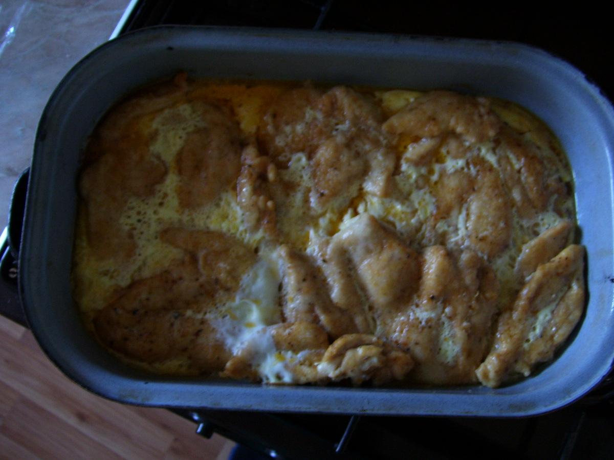 Recept Zapečená kuřecí prsa - Prsa se zapečenou smetanou a vajíčky.