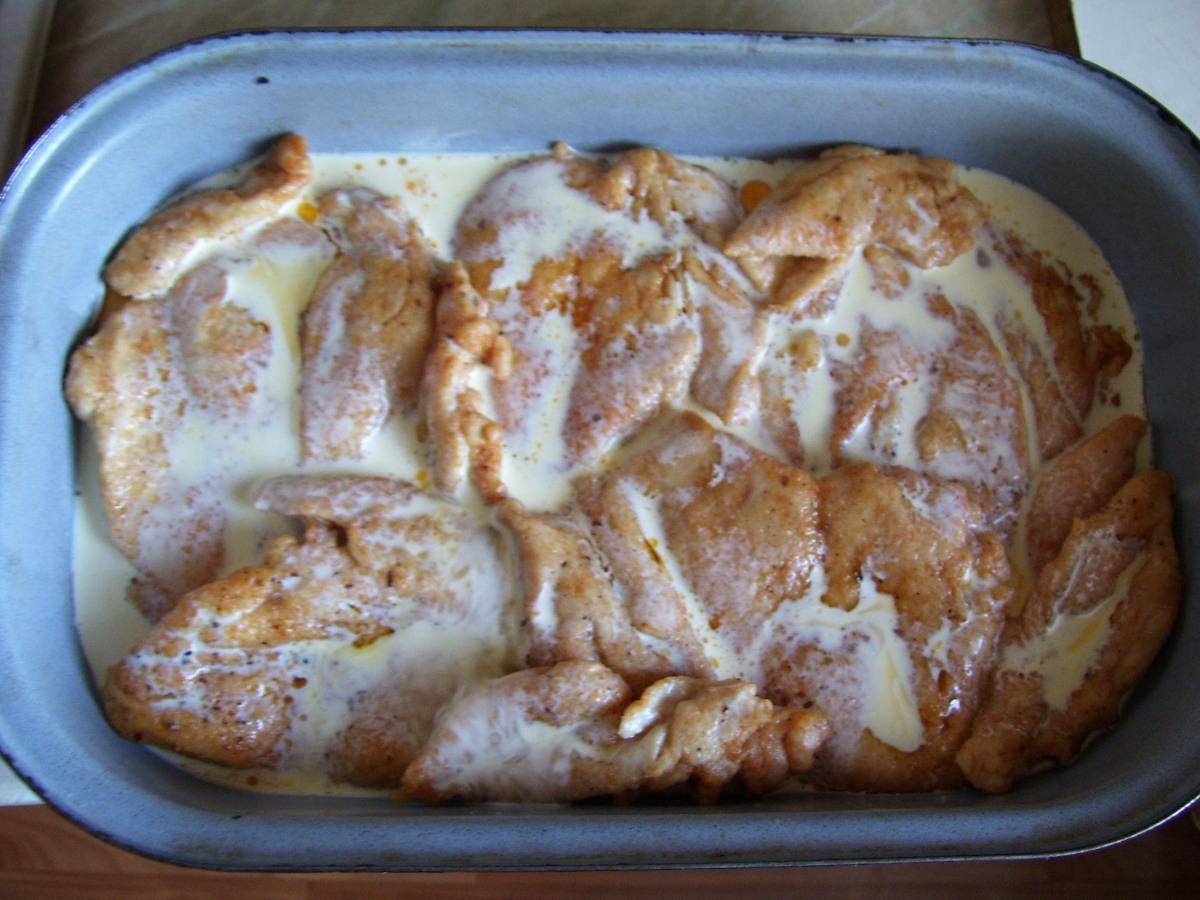 Recept Zapečená kuřecí prsa - Do smetany jsem ještě rozmíchala 2 vajíčka.