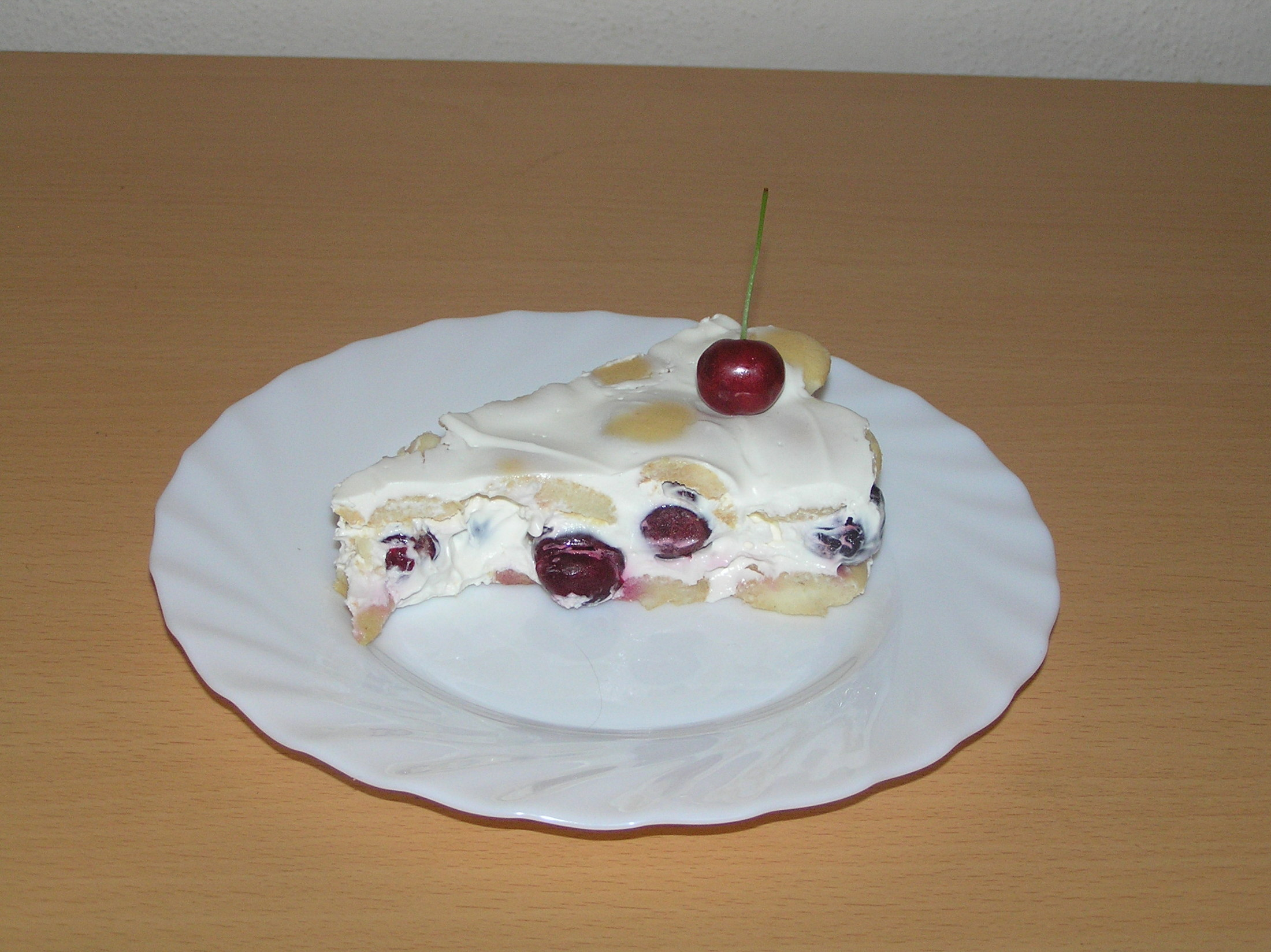 Nepečený třešňový dort