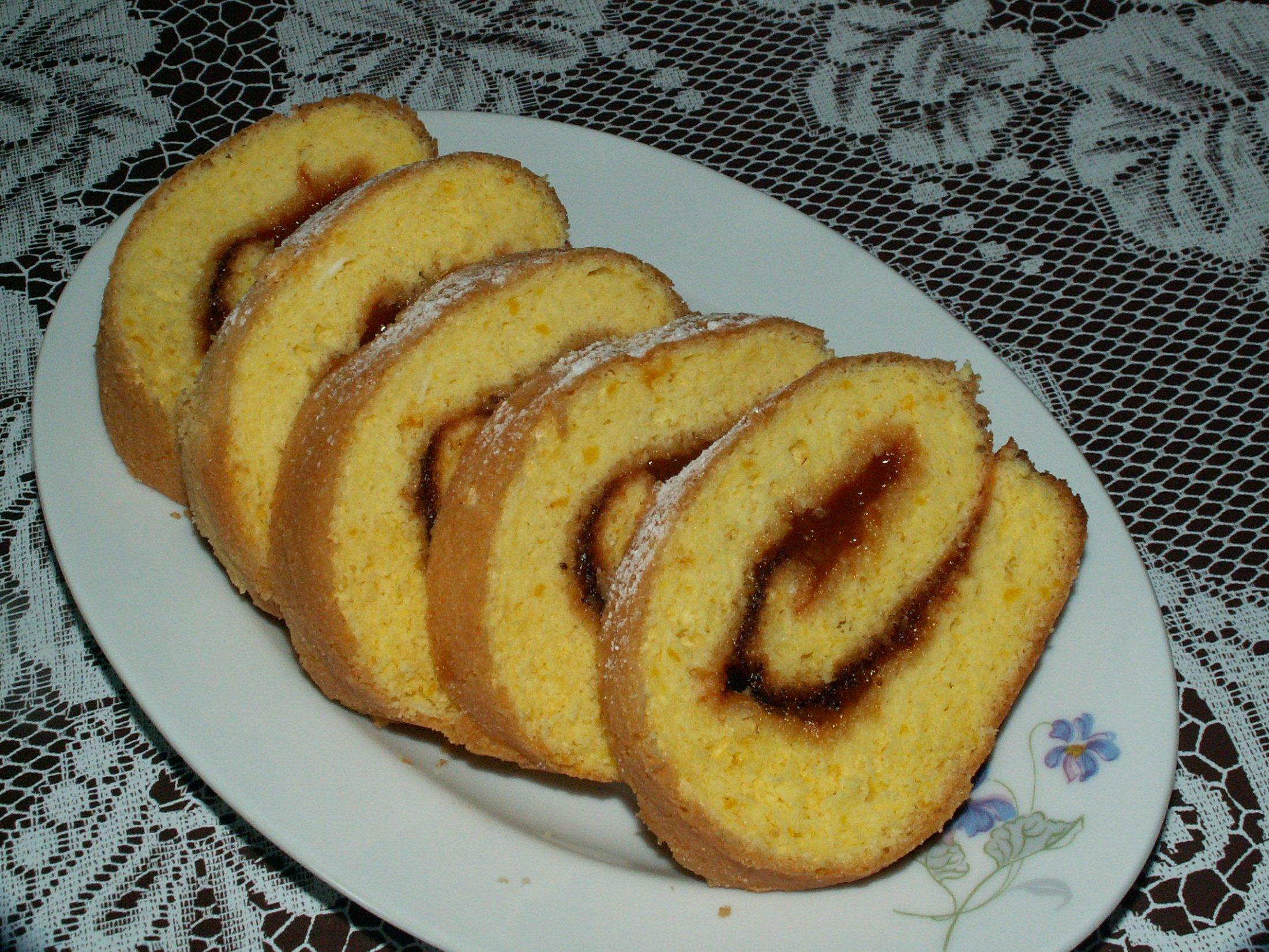 Recept Roláda s marmeládou - Chutnala výtečně. Vyzkoušela jsem a mohu ji  jen  doporučit ostatním.